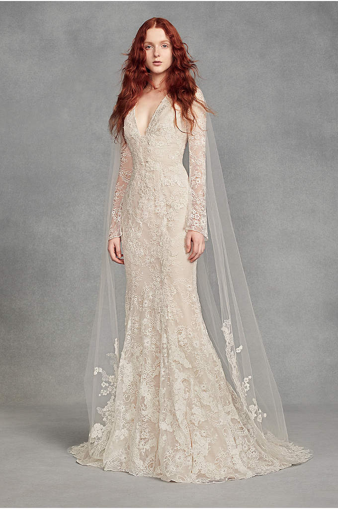 Appliqued Floral Lace Chapel-Length Veil - White by Vera Wang's beautiful chapel-length tulle veil
