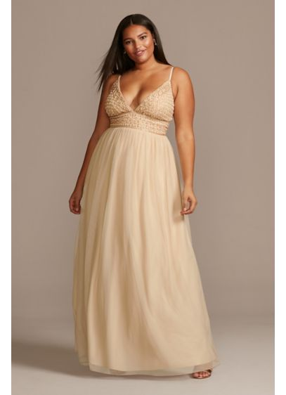 Deep-V Pearl Beaded Bodice Tulle Plus Size Gown - All eyes will be on you in this