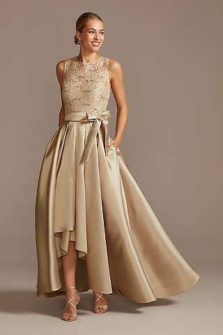 Vestido Asimétrico de Encaje con Lentejuelas