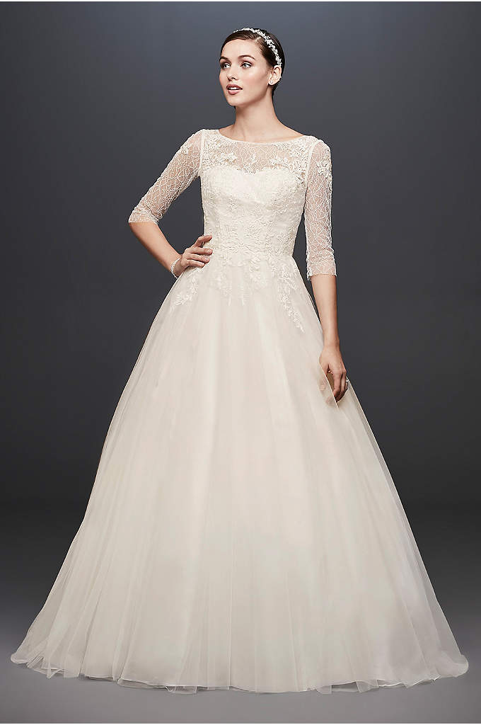 3 4 Sleeve Wedding Dress With Lace And Tulle Featuring 45 Expertly Detailed Yards