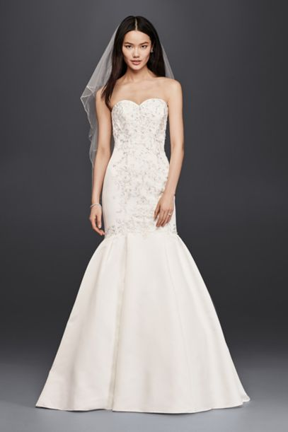 trumpet lace wedding dress trumpet wedding dress with lace bodice david s bridal 8089