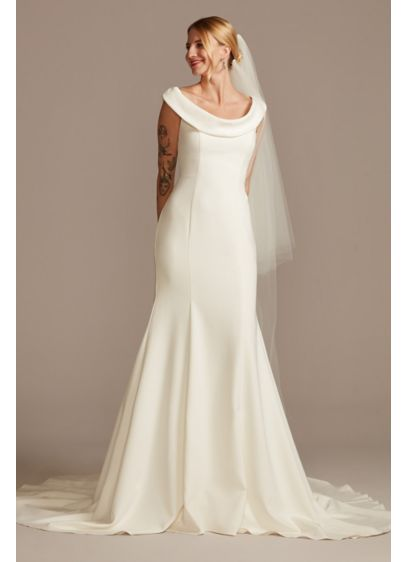 Long Mermaid / Trumpet Formal Wedding Dress - David's Bridal