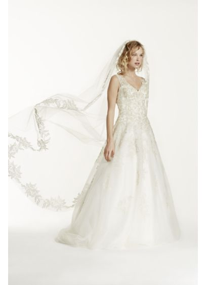 David's Bridal Ivory (Cathedral Veil with Floral Applique Edge)
