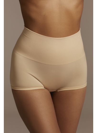 Yummie Ultralight Seamless Shaping Short - Free of side seams for a comfortable fit,