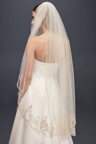 Embroidered Filigree Fingertip Veil