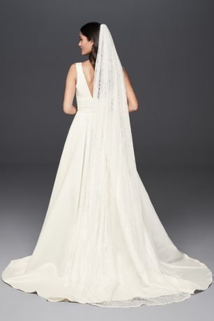 Allover Lace Scalloped Cathedral Mantilla Veil