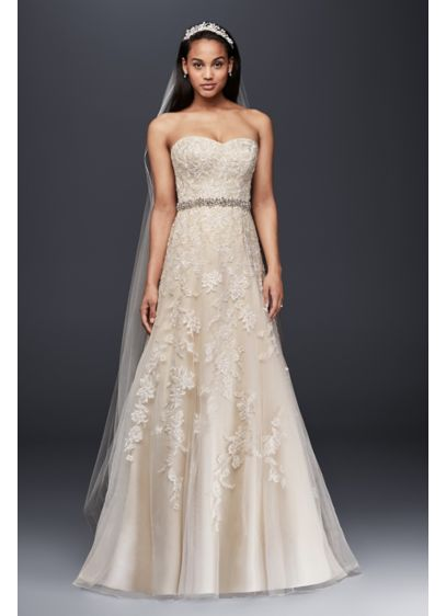 Sweetheart A-Line Tulle and Lace Wedding Dress | David\'s Bridal