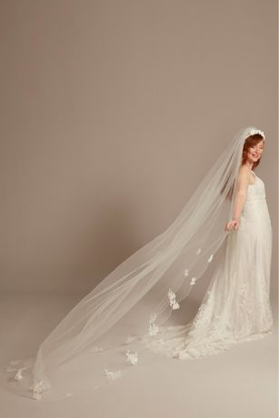 Scalloped Lace Applique Edge Cathedral Veil