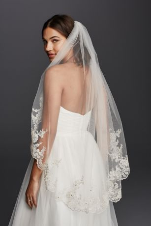 Mid Veil with Scalloped Edges and Lace