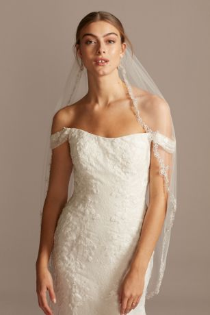 Scalloped Fingertip Veil with Floral Beading