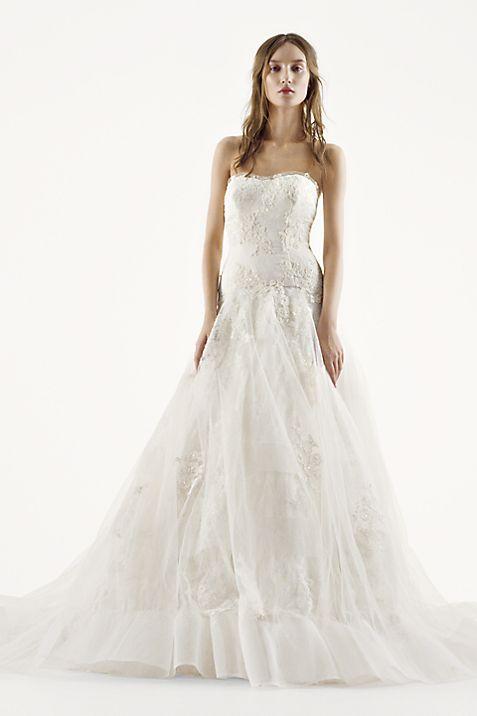 White by Vera Wang Chantilly Lace Wedding Dress | David\'s Bridal