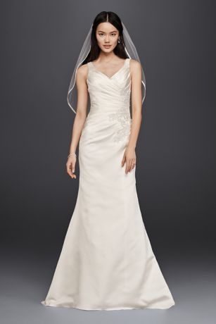 V-Neck Trumpet Wedding Dress with Pleated Bodice