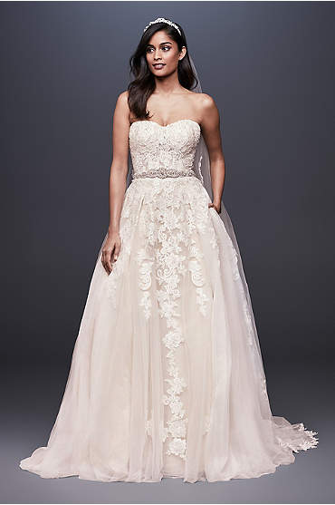 Flower Lace V-Neck Wedding Dress with Empire Waist
