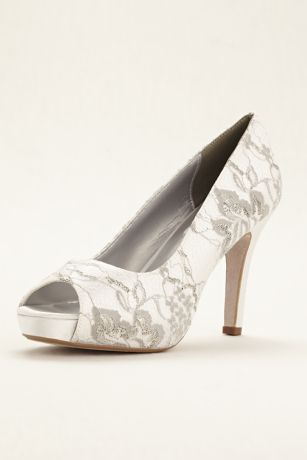 Winter Dyeable Metallic Lace Pump