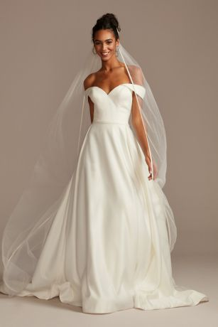 Satin-Edge Chapel-Length Veil