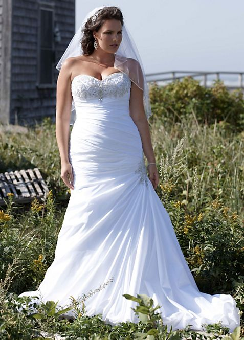 Strapless Sweetheart Trumpet Wedding Gown | David\'s Bridal