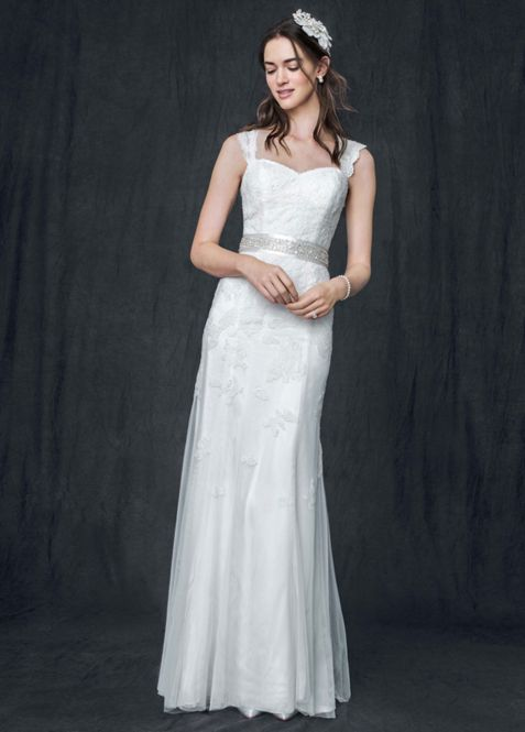 Cap Sleeve Slim Gown With Keyhole Back